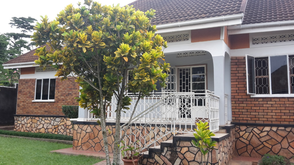 4 Bedroom Bungalow for Sale, Munyonyo