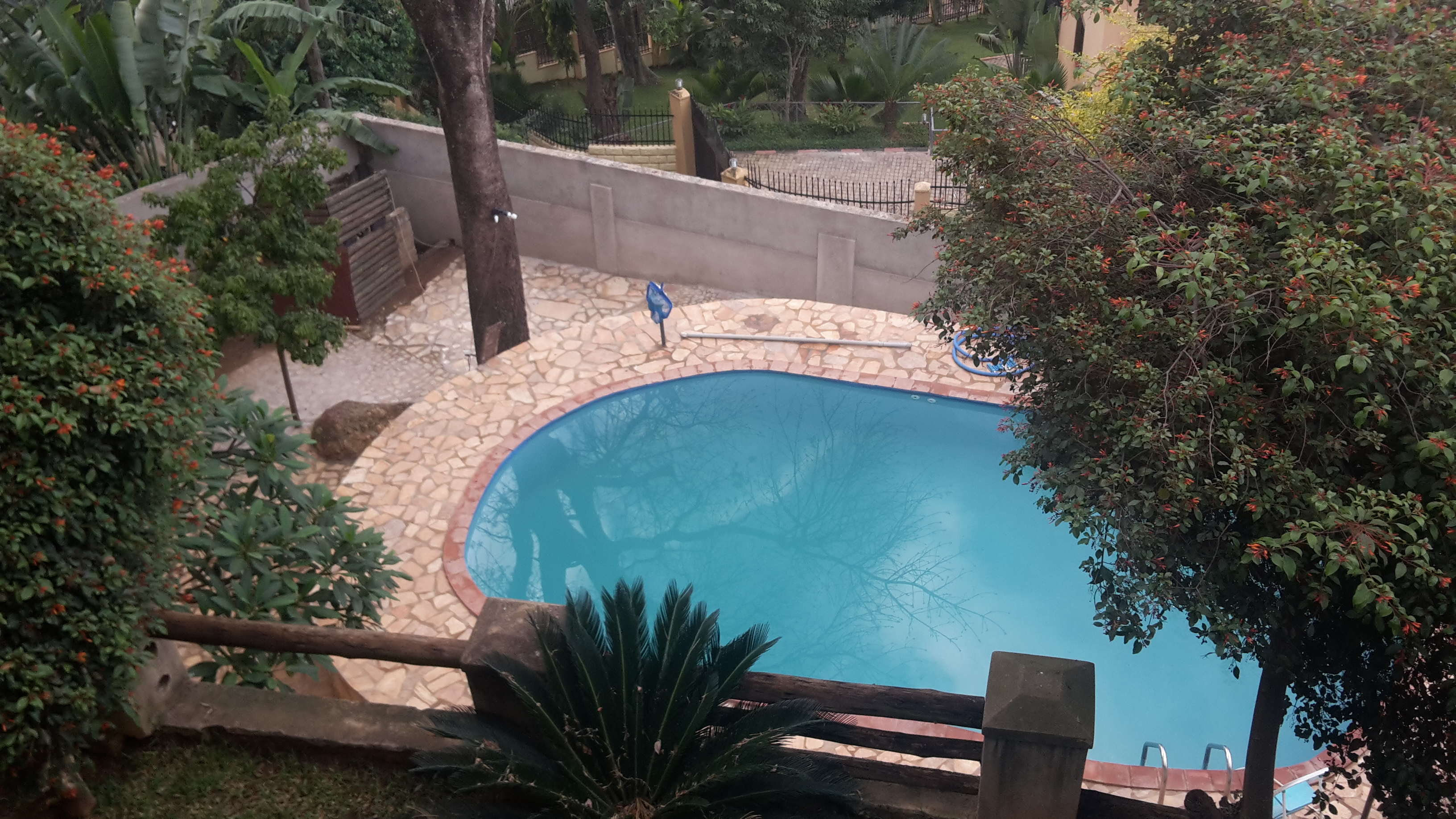 Four Bedroom House with Swimming Pool, Buziga