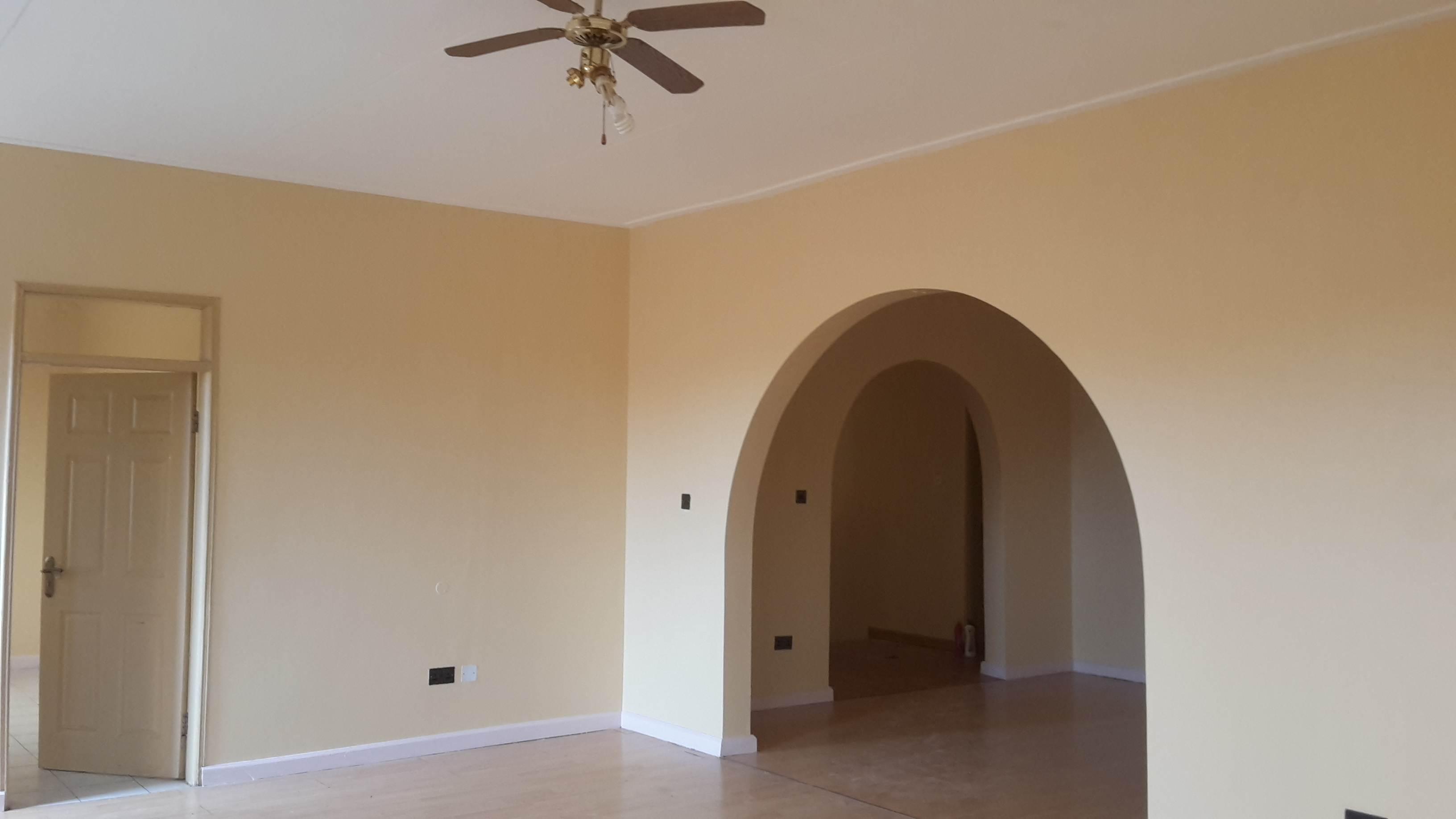 Six bedroom House for rent, munyonyo